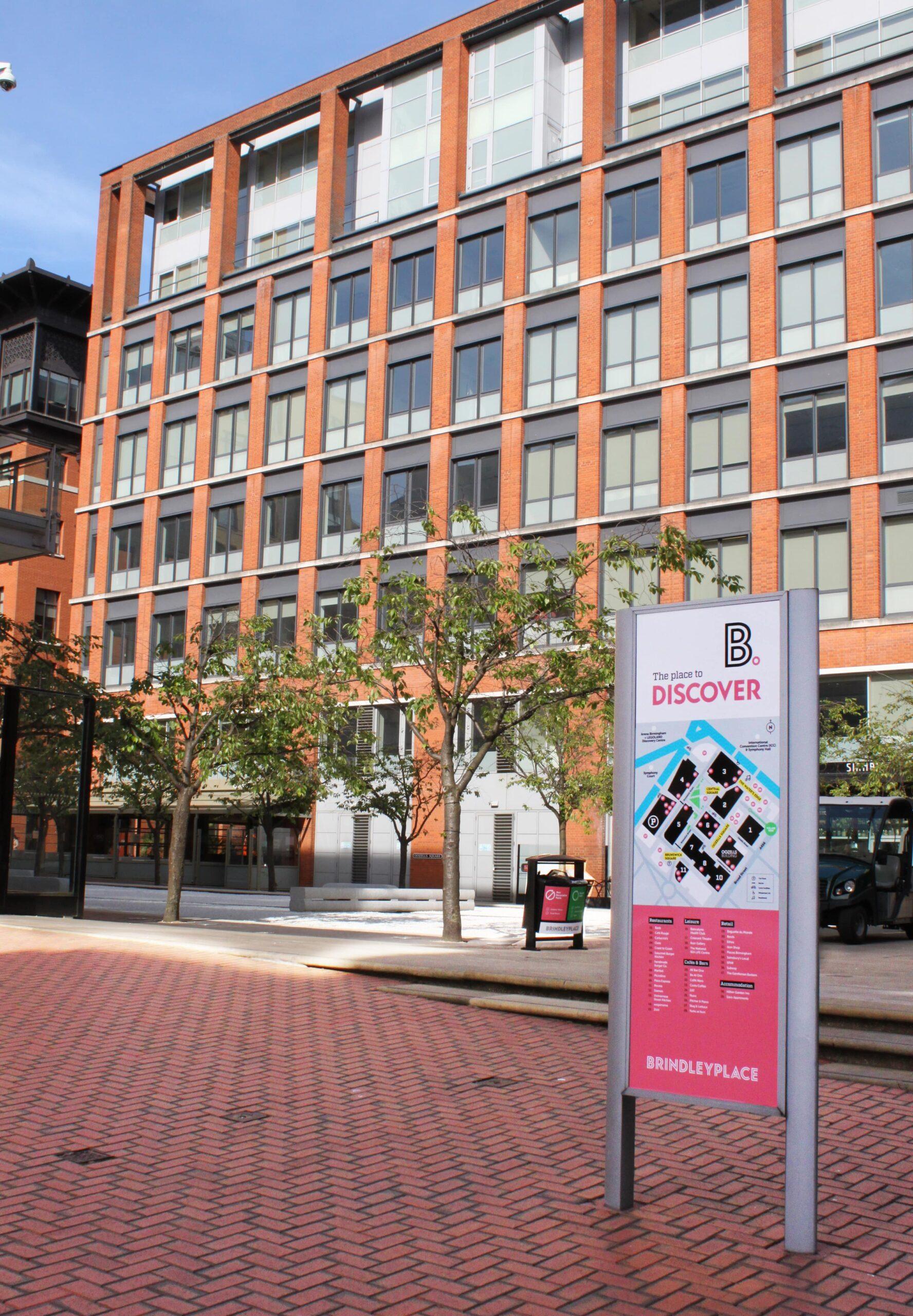 brindley-Place-Birmingham-Discover-signage-